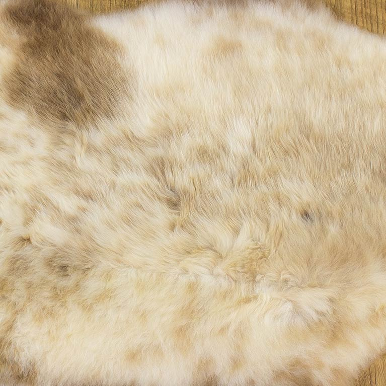 natural color sheepskin pelts